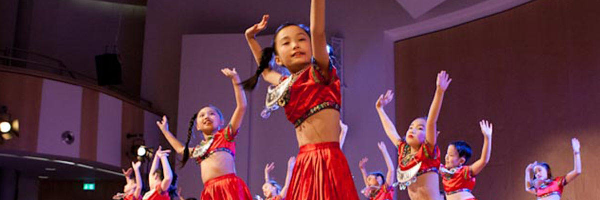 Zauberhafte-Tanzgruppe